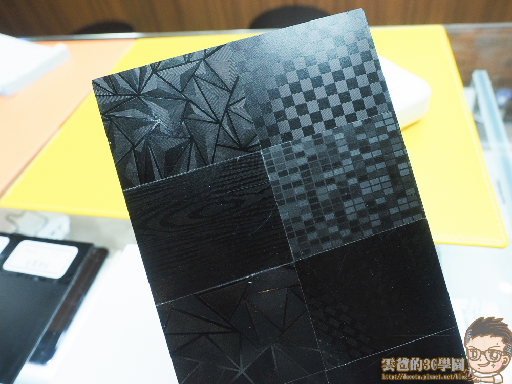 HTC U11- imos 2.5D 正面螢幕滿版玻璃貼-5311265