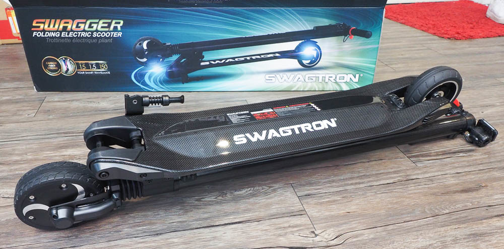 SWAGGER 碳纖維電動滑板車-44