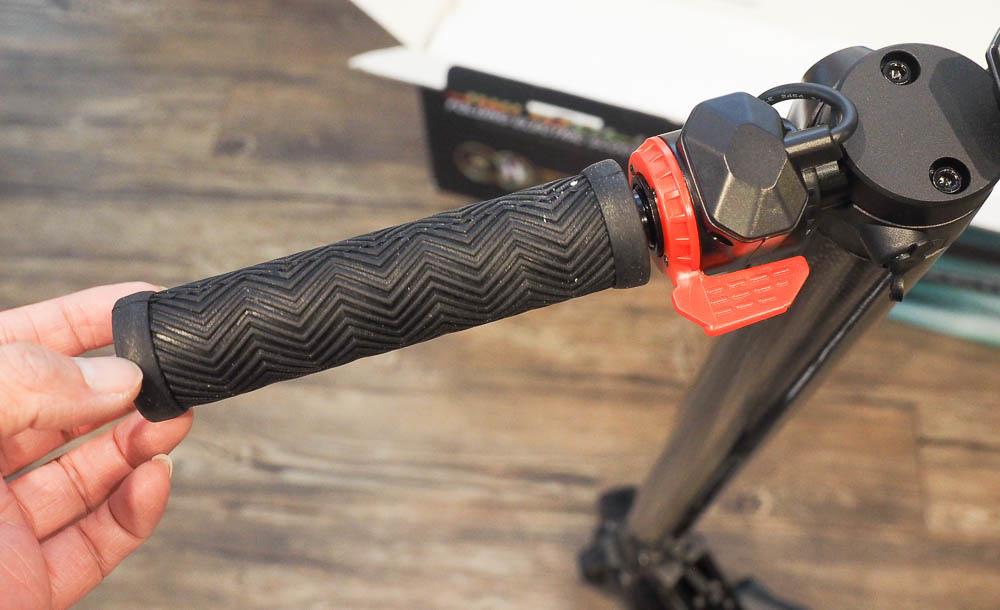 SWAGGER 碳纖維電動滑板車-58
