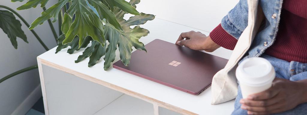 Surface_dl_Innovation_FeatureCenteralign_Burgundy_V1.png