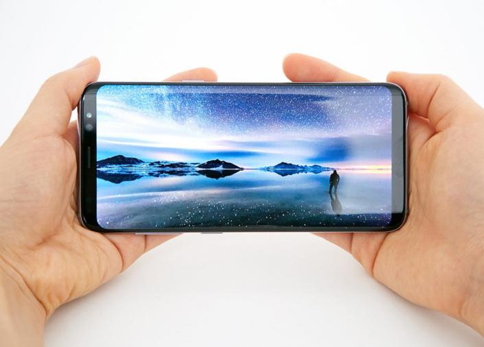 Galaxy-S8-Display_main_2