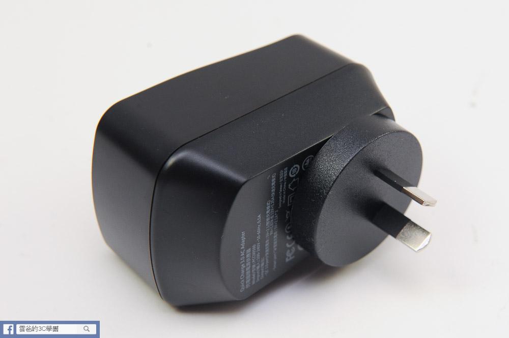 [開箱]可折疊、免拆換的萬用充電器 - norm+  QC3.0閃電插頭-34