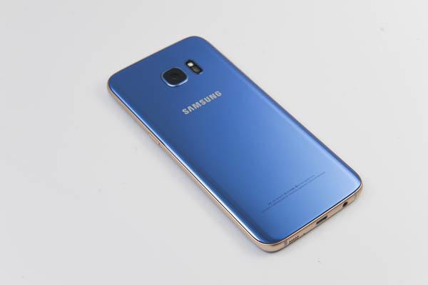 開箱 Galaxy S7 edge 冰湖藍-42