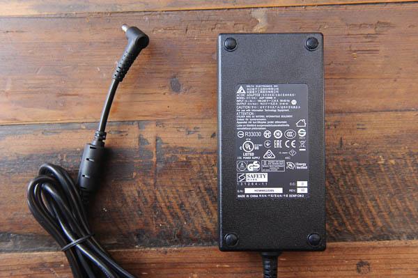 技嘉 BRIX Gaming UHD 超微型電競電腦套件-9