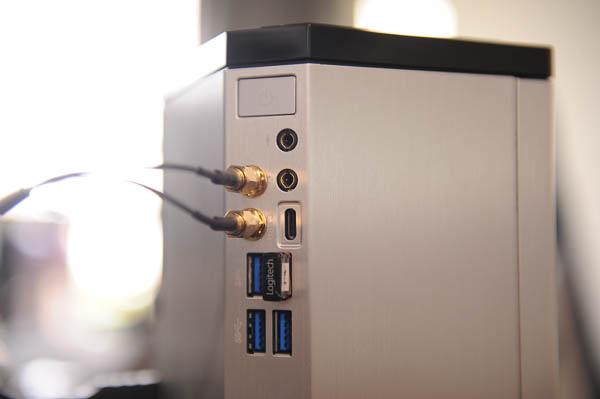 技嘉 BRIX Gaming UHD 超微型電競電腦套件-26