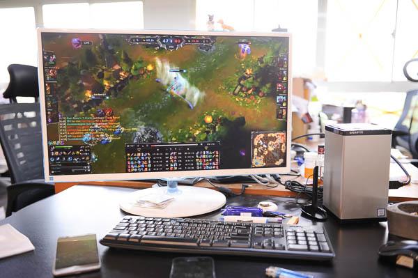 技嘉 BRIX Gaming UHD 超微型電競電腦套件-70