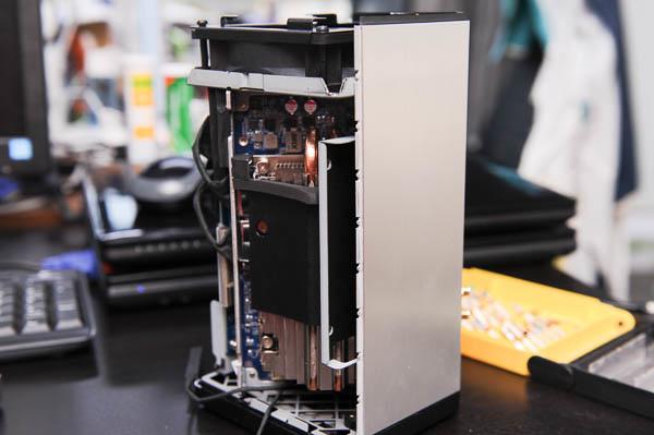 技嘉 BRIX Gaming UHD 超微型電競電腦套件-109