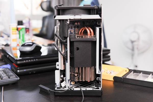 技嘉 BRIX Gaming UHD 超微型電競電腦套件-110