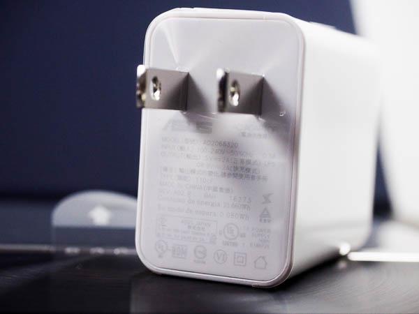 ZenFone 3 Deluxe 開箱、評測、實拍照-12
