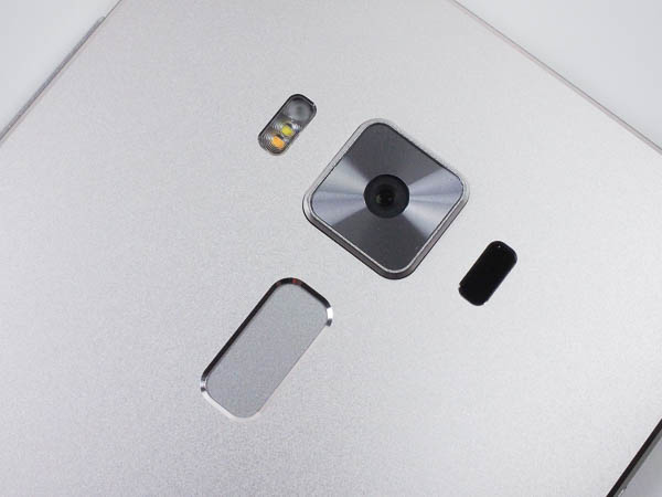 ZenFone 3 Deluxe 開箱、評測、實拍照-34