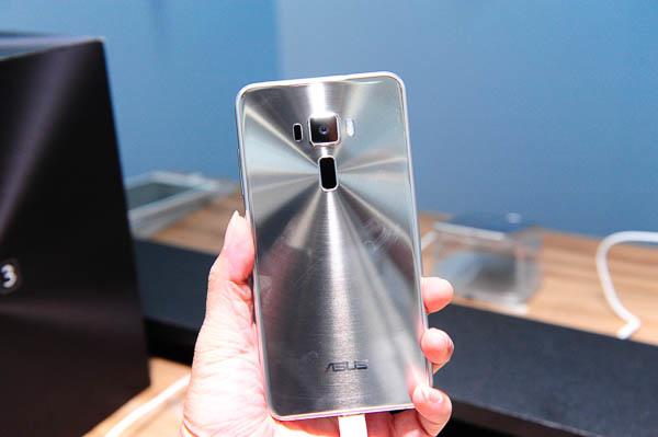 ZenFone 3 Unboxing-93