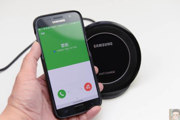 Samsung 直立式無線閃充充電座-45