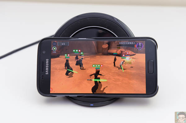 Samsung 直立式無線閃充充電座-40