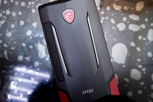 msi Nightblade MI2-33