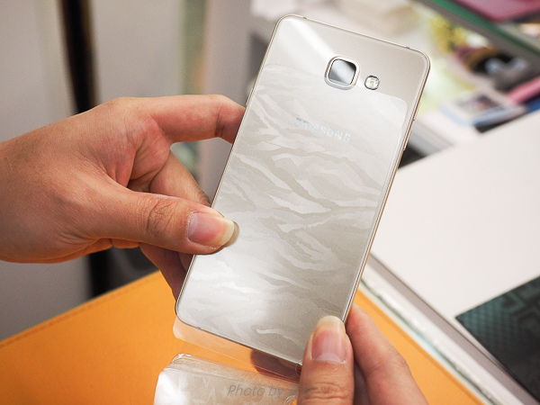 galaxy A7(2016)螢幕保護貼+全機包膜-15