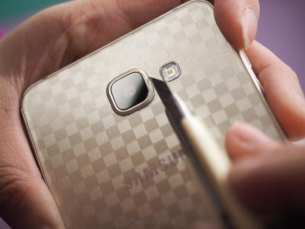 galaxy A7(2016)螢幕保護貼+全機包膜-104
