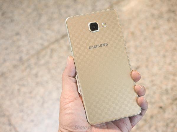 galaxy A7(2016)螢幕保護貼+全機包膜-154