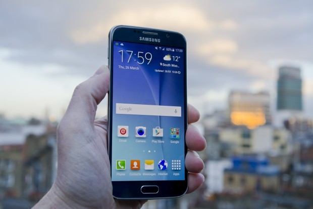 Samsung Galaxy S6 - front shot