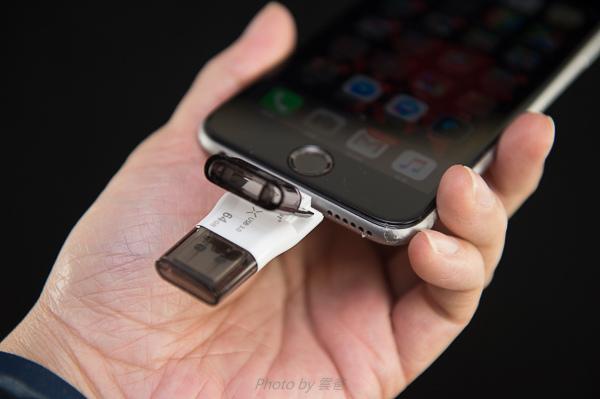 PhotoFast 蘋果microSD讀卡機-85