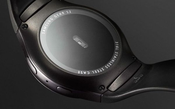 Gear S2完美融合經典的旋轉錶環與創新的科技技術,首創搭載轉控錶環,配合觸控式螢幕和側邊按鈕