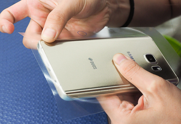 S6 edge plus 開箱、全機包膜、滿版保護貼-29
