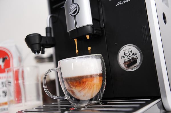 飛利浦Saeco全自動義式咖啡機 HD8768-192