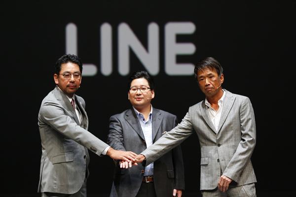 【圖五】LINE Music與avex digital Inc.及Sony Music Entertainment, Inc.於日本史無前例的合作,會中LINE執行董事舛田淳(中)、Sony Music營運長村松俊亮(左)與avex策略長千葉龍平(右)三人握手祝福未來合作順利