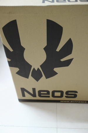 BitFenix Neos-02.JPG