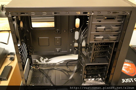 BitFenix Neos-14.JPG