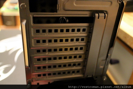 BitFenix Neos-16.JPG