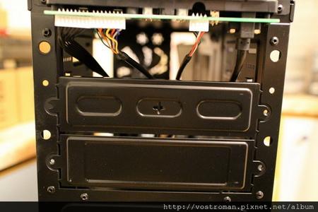 BitFenix Neos-32.JPG
